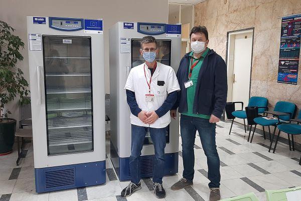 Isporuka zamrzivača i firžidera za čuvanje vakcina Institutu za javno zdravlje Vojvodine