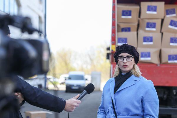 Preko milion maski i 700.000 pari zaštitnih rukavica stiglo iz EU u Srbiju
